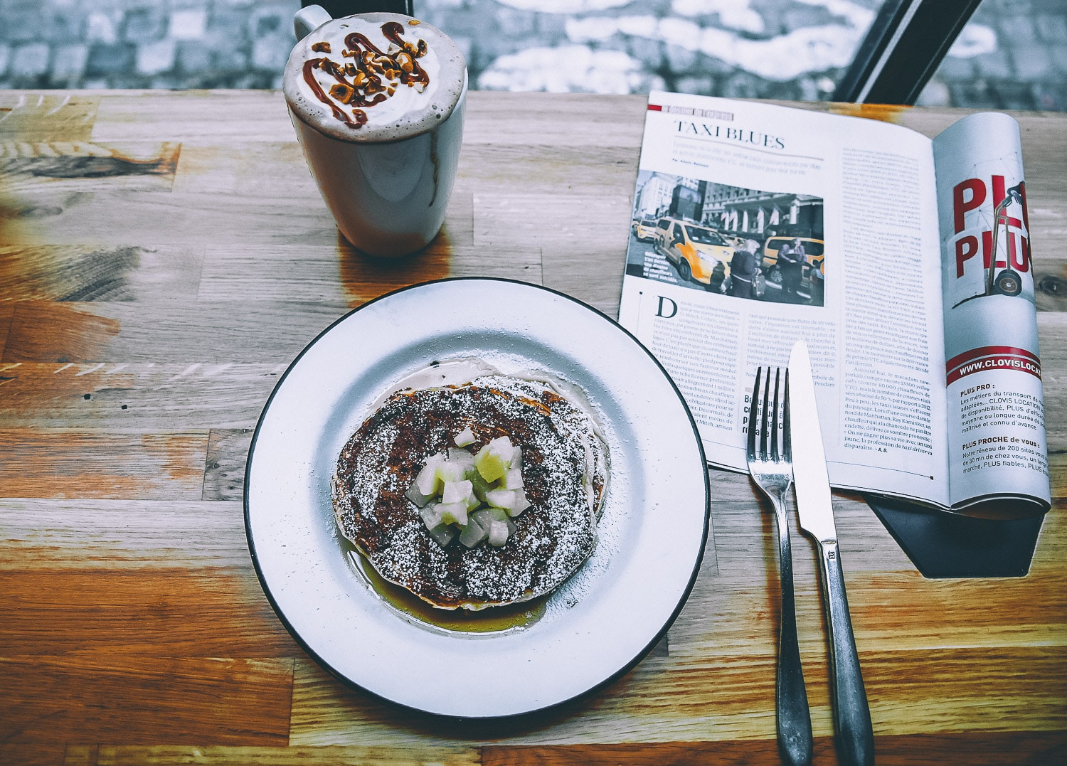 frenchie-to-paris-pancakes-compotee-de-fruit-1 Envie d'un brunch à Paris ? Mes adresses favorites !